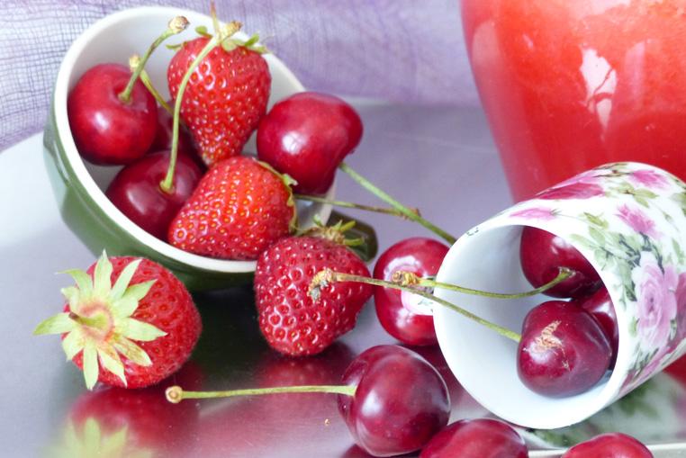Recette-de-Limonde-FRAISESCERISES-Bidule-et-Cocotte-gros-plan-fruits