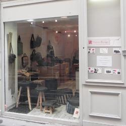 boutique-marron-rouge-blog-bidule-et-cocotte