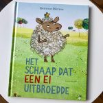 Het schaap dat een ei uitbroedde - Gemma Merino