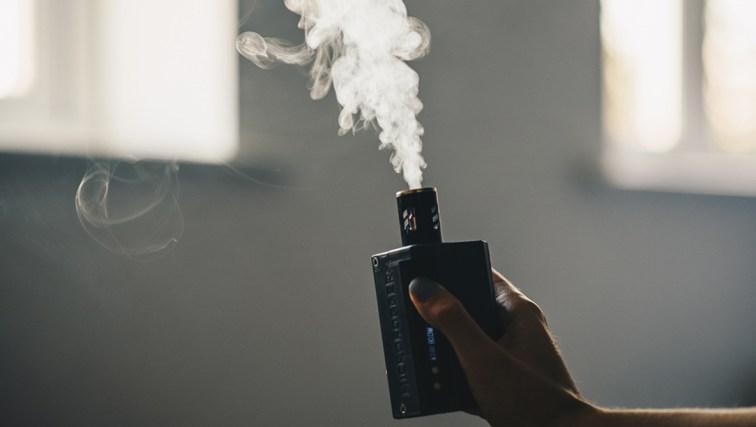 Micro smoke machine for photographers