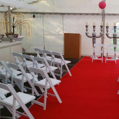 bruiloft met tent en catering