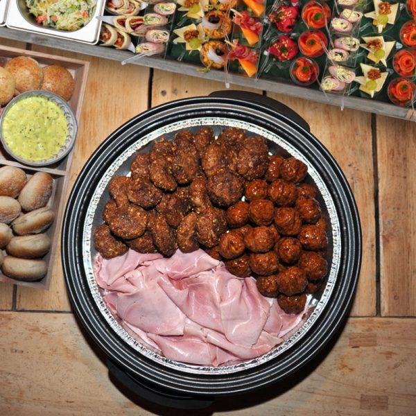 hapjespan warm vlees hamburger gehaktbal catering special