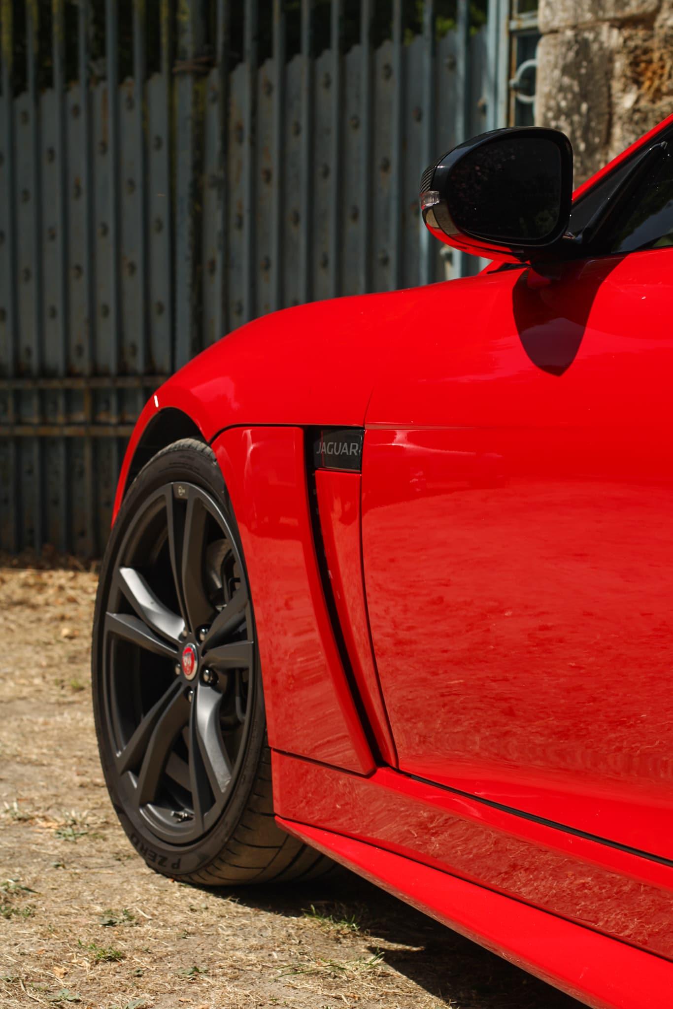 Prise d'air Jaguar F Type SVR