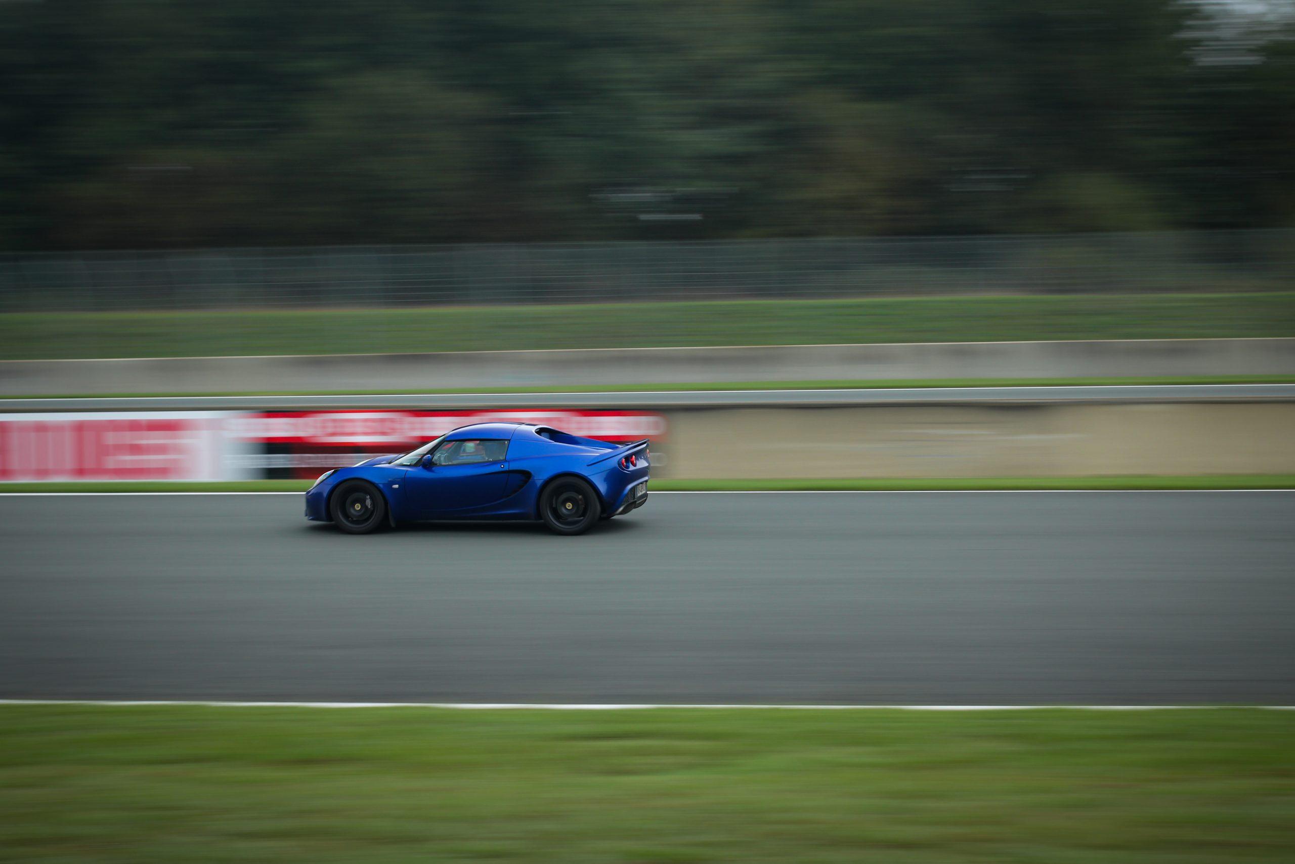 Lotus Elise bleue