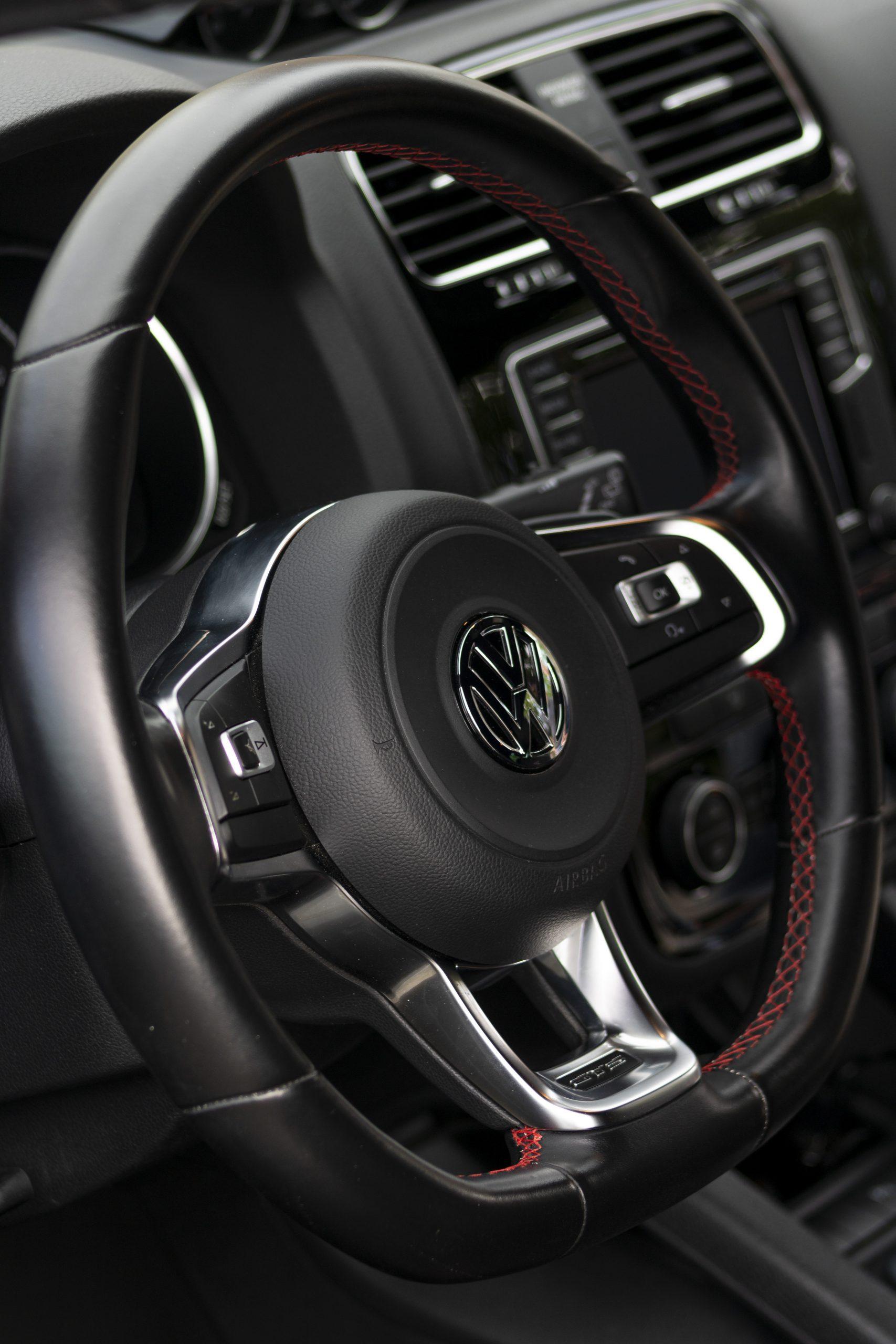 VW Scirocco GTS volant