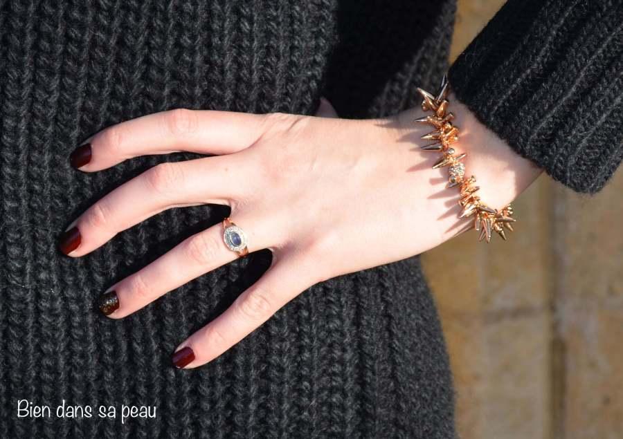 La-petite-robe-pull-noire-bien-dans-sa-peau-blog-10