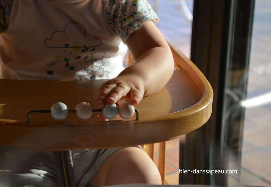 repas-resto-enfant-un-an-cris-stridents