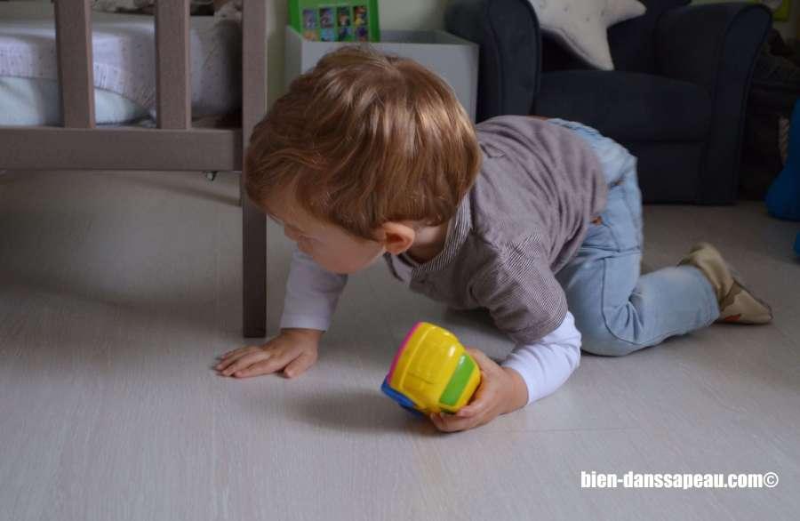 poutch-bebe-entre-12-et-16-mois-voiture-lit