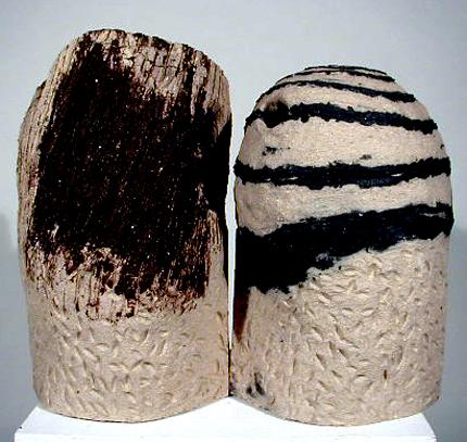 Henrique do Vale 1998 KINHUNGA Conformação à Lastra, Cozedura em Forno Eléctrico a 1300 graus 59 x 68 x 37 cm