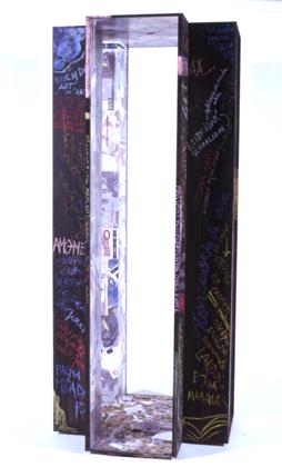 Manuel Dias (PT) Memória do tempo, 2003 Objeto 186 x 67 x 60 cm Obra apresentada na XII Bienal Internacional de Arte de Cerveira, realizada de 16 de agosto a 21 de setembro de 2003.