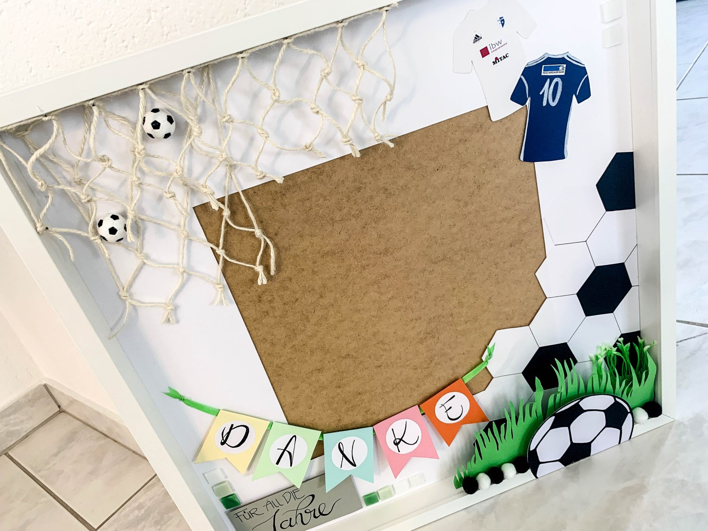 RIBBA Rahmen Fussball Geschenk