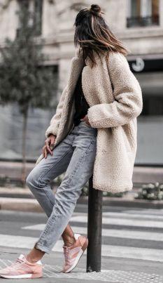 chaussures avec un jeans