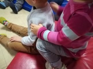 bienfaits-shiatsu-enfants-dos
