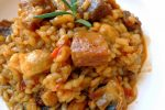 Delicioso arroz con cerdo al romero