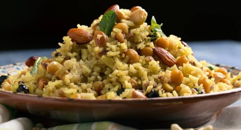 exótico arroz al estilo hindú