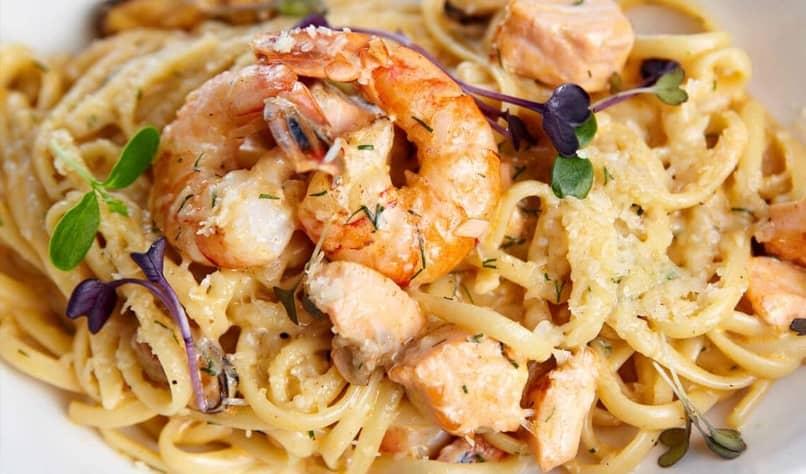 deliciosos espaguetis con mariscos