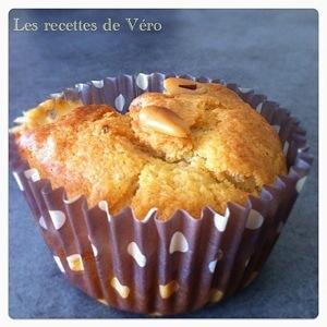 Muffins jambon sec, raclette et pignons de pin