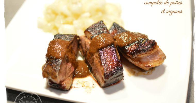 Filets de canard caramélisés, compotée de poires et oignons