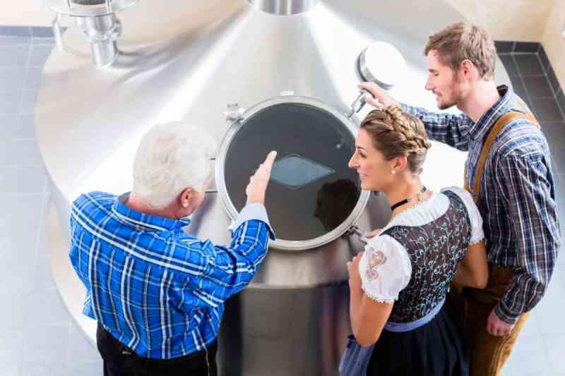 Les routes de la bière une invitation à faire l'expérience de la bière en France et en Belgique