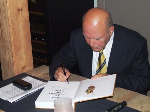 Adelijn Calderon signeert