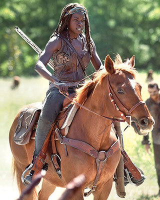 the-walking-dead-season-4-new-photo-of-michonne-preview