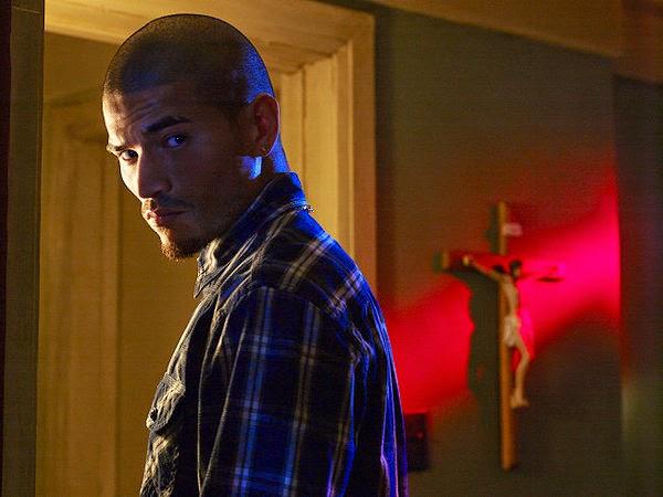 Miguel Gomez as Augustin Gus Elizalde the Mexican gangster in The Strain Season 1 Episode 1 Night Zero