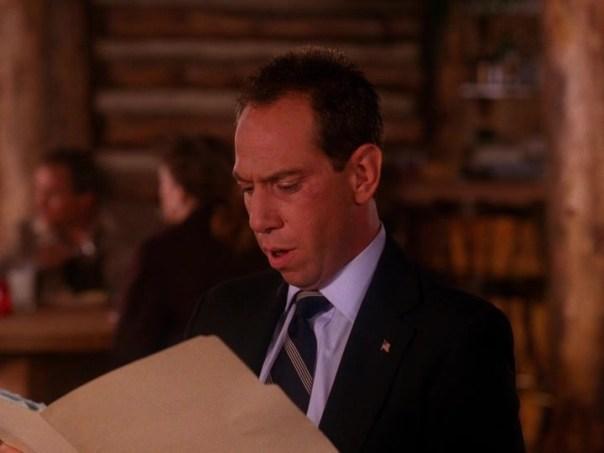 Twin-Peaks-Season-2-Episode-2-1-e686