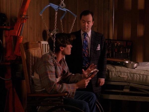 Twin-Peaks-Season-2-Episode-5-4-1751
