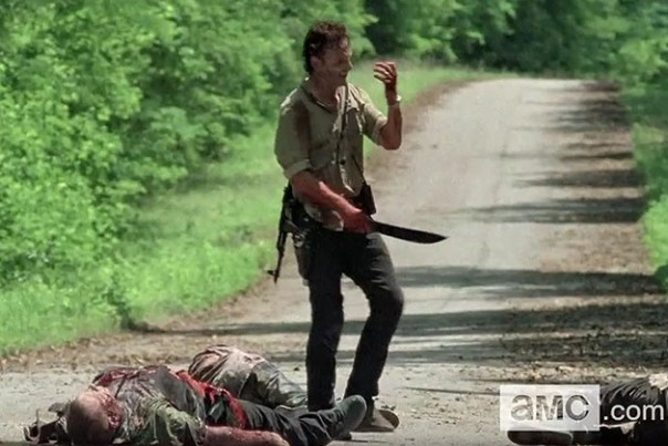 Rick-Cuts-His-Hand-on-The-Walking-Dead-Thank-You-Sneak-Peek-VIDEO