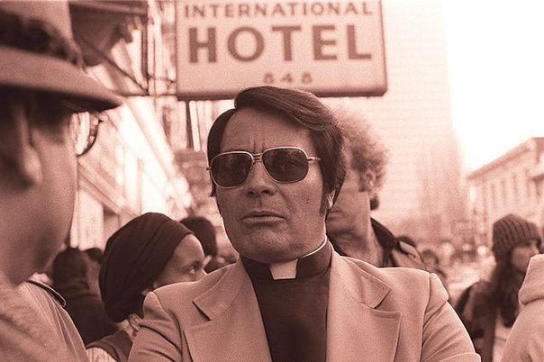 rsz_jim_jones_in_front_of_the_international_hotel
