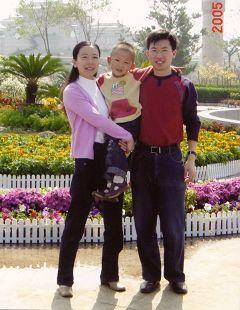蓬蓬和爸爸、媽媽在一起的時候
