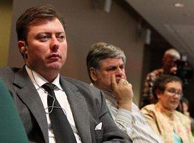 加拿大西卡爾加裏國會議員羅伯•安德斯。圖為安德斯在二零零九年五月二十七日在國會舉辦的中國問題論壇上。