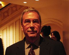 在紐約一家公司擔任經理的Jim