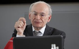 加拿大律師麥塔斯在柏林論壇發言