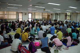 來自台灣各地的法輪大法青年修煉者齊聚一堂,分享各自在修煉上的心得體會