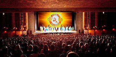 美國神韻巡迴藝術團在北加州上演了六場神韻演出,場場爆滿。