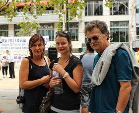 '來自德國的安格莉卡一家關注發生在中國的迫害'