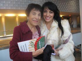 小提琴家羅雷女士(左)與前舞蹈演員阿麗安娜