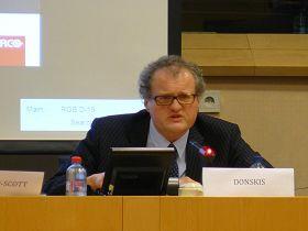 '歐洲議會議員萊昂尼達斯﹒當斯克司先生:這樣的反人類罪行只能和納粹相提並論'