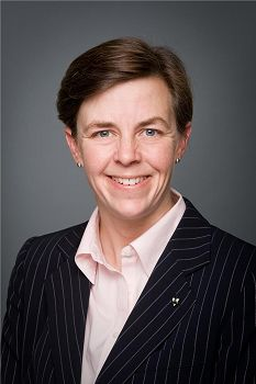 '圖7:新晉聯邦勞工部長及女權部長凱莉﹒利奇(KellieLeitch)今年首次為神韻演出發出賀信。(圖片來源:加拿大政府網站)'