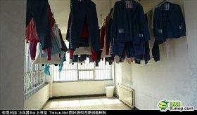北京女子監獄寬管監區筒道實圖
