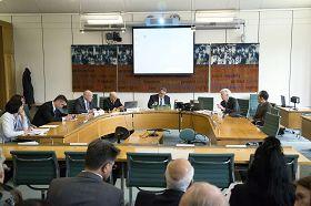 二零一三年六月二十四日下午,DAFOH在英國議會大廈舉辦說明研討會,深入揭露中共活摘法輪功學員器官這一「史無前例的邪惡」。