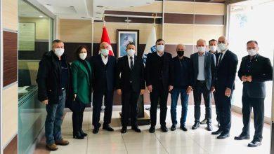 Photo of Özgür Ceylan Gelibolu'da STK'ları Ziyaret Etti