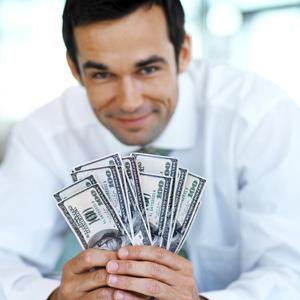 Banqueiros acham $500.000 por ano pouco