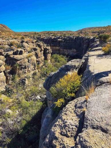 Devil's Den Trail
