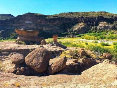 hoodoos trail with rio grande