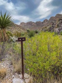 trail sign on Marufa Vega Trail in Big Bend National Park