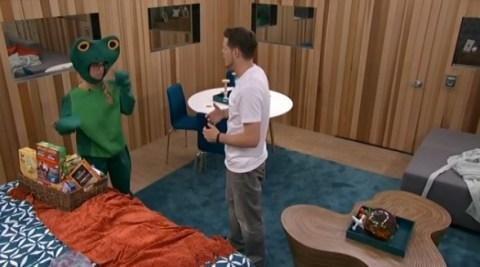 Big Brother 2014 Spoilers - Nicole and Derrick