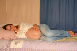 pregnant sleep on side