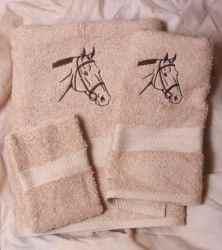 Bridled Horse Beige Towel Set